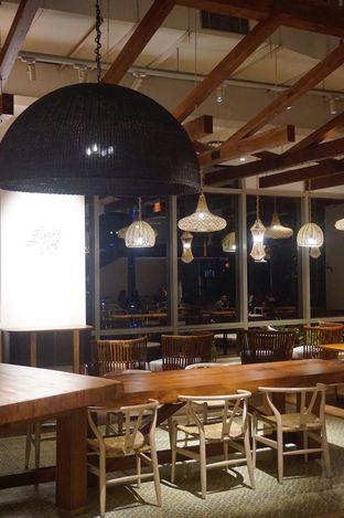 Foto 10 - Interior di Lumine Cafe oleh yudistira ishak abrar