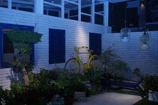 Foto 2 - Interior di Orofi Cafe oleh eatwerks