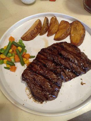 Foto 2 - Makanan di Jumbo Eatery oleh Dwi Izaldi