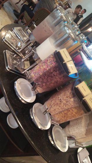 Foto review Palm Cafe and Terrace - Aryaduta Lippo Village Hotel oleh Review Dika & Opik (@go2dika) 9