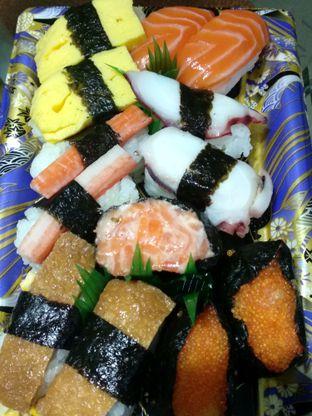 Foto 1 - Makanan di Sushi & Sashimi oleh Ika Nurhayati