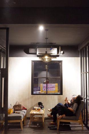 Foto review Dopamine oleh yudistira ishak abrar 17