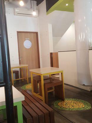 Foto 9 - Interior di Kedai Es Pisang Ijo Pemuda oleh Stallone Tjia (@Stallonation)