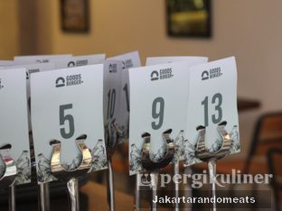 Foto 13 - Interior di Goods Burger oleh Jakartarandomeats
