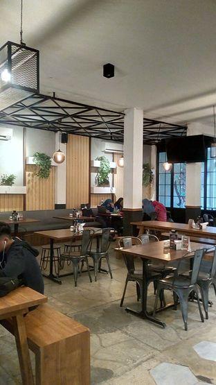 Foto 9 - Interior di Eat Boss oleh Nyonya Suka Dolan