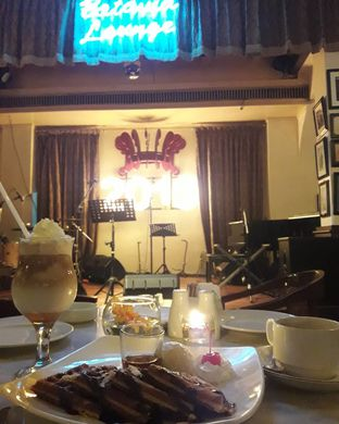 Foto 3 - Interior di Cafe Batavia oleh Putri Evy
