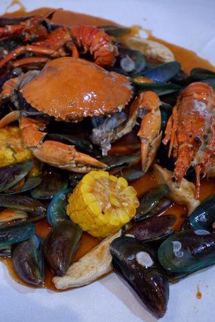 Foto 8 - Makanan di Perang Kerang - Barbarian Seafood House Restaurant oleh yudistira ishak abrar