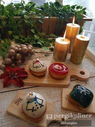 Foto 1 - Makanan di Krispy Kreme oleh Asiong Lie @makanajadah