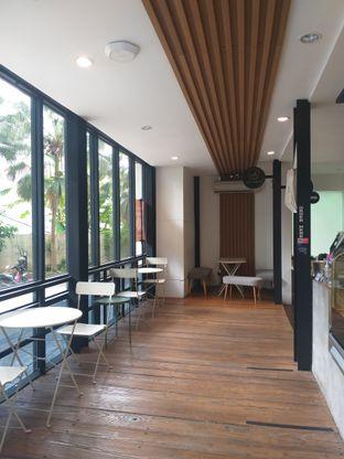 Foto 3 - Interior di Emji Coffee Bar & Space oleh Sari Cao