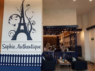 Foto 9 - Interior di Sophie Authentique French Bakery oleh ig: @andriselly