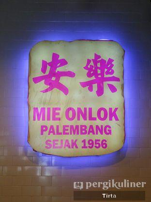 Foto 5 - Interior di Mie Onlok Palembang oleh Tirta Lie