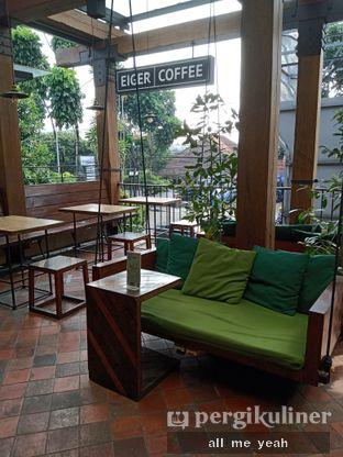 Foto 6 - Interior di Eiger Coffee oleh Gregorius Bayu Aji Wibisono
