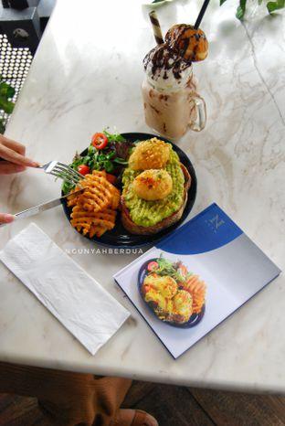 Foto 5 - Makanan(Soft boiled eggs) di Nosh Kitchen oleh ngunyah berdua