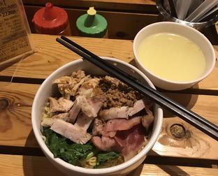 Foto review Ncek Legenda Noodle Bar oleh Irma  1
