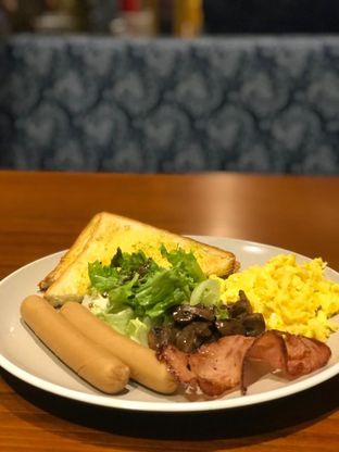 Foto 1 - Makanan di The People's Cafe oleh Lakita Vaswani