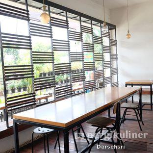 Foto 4 - Interior di Kowok Coffee & Gallery oleh Darsehsri Handayani