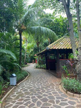 Foto 16 - Interior di Taman Santap Rumah Kayu oleh Jeljel