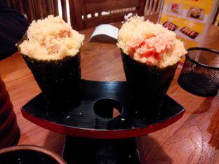 Foto 1 - Makanan(california hand roll & crunchy spicy tuna roll) di Poke Sushi oleh Ester A