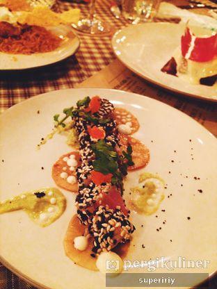 Foto 8 - Makanan(tuna sashimi) di Brassery oleh @supeririy