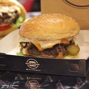 Foto 3 - Makanan di Bruces Burgers oleh Ika  Agustin