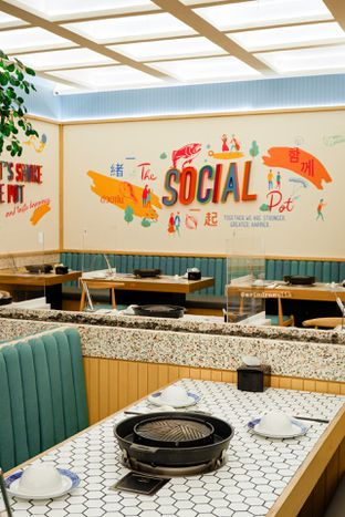 Foto 19 - Interior di The Social Pot oleh Indra Mulia