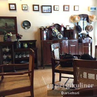 Foto 3 - Interior di Imah Nini Cafe & Galery oleh Darsehsri Handayani