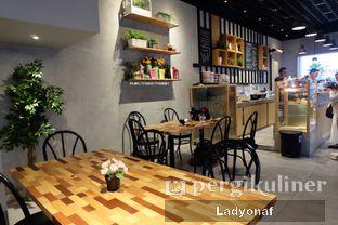 Foto 14 - Interior di Daily Press Coffee oleh Ladyonaf @placetogoandeat