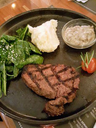 Foto 2 - Makanan di Tokyo Skipjack oleh Stallone Tjia (Instagram: @Stallonation)
