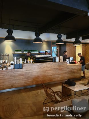 Foto 1 - Interior di Crematology Coffee Roasters oleh ig: @andriselly