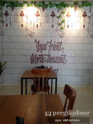 Foto 8 - Interior di The H Cafe oleh a bogus foodie