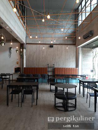 Foto 6 - Interior di 8th Bean Cafe oleh Selfi Tan