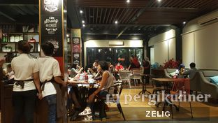 Foto review Royale Bakery Cafe oleh @teddyzelig  4