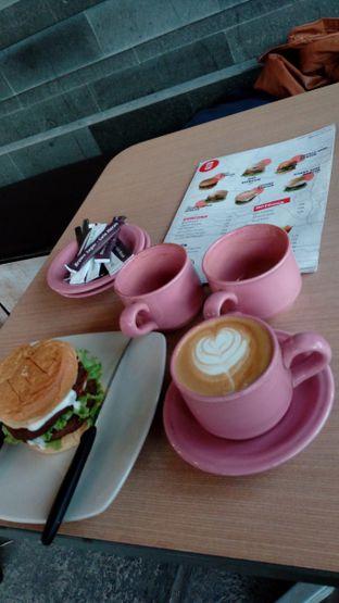 Foto 1 - Makanan di Big Burger oleh haniiv mulyono