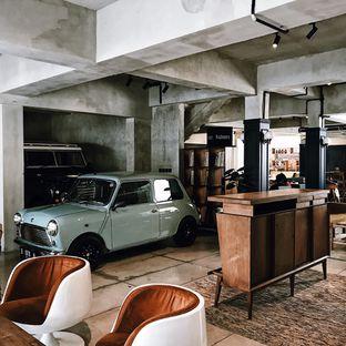 Foto 10 - Interior di Little League Coffee Bar oleh Della Ayu