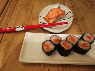 Foto 2 - Makanan(Mentai Salmon Aburi Sushi, Salmon Maki.) di Nama Sushi by Sushi Masa oleh Baka! Sushi (@idiotsushi)