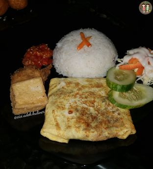 Foto 1 - Makanan(Nasi ayam selimut telur) di OT3 Resto oleh Jenny (@cici.adek.kuliner)