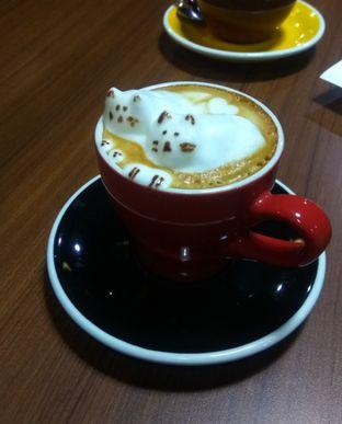 Foto 2 - Makanan(Catpuccino (IDR 45k) ) di Mokka Coffee Cabana oleh Renodaneswara @caesarinodswr
