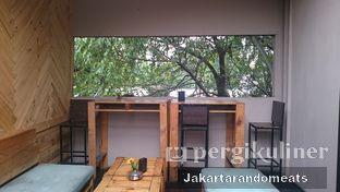 Foto 7 - Interior di Journey Coffee oleh Jakartarandomeats