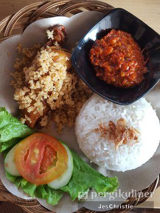 Foto 4 - Makanan(Nasi Goreng Ayam Kremes) di Kedai Kopi Tjan oleh JC Wen