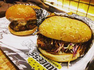 Foto 2 - Makanan di Lawless Burgerbar oleh Michael Wenadi
