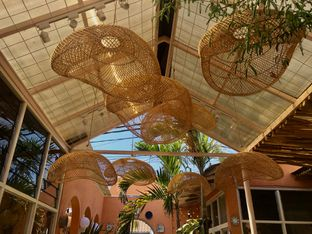 Foto 2 - Interior di Tropikal Coffee oleh Mola Hidratinum