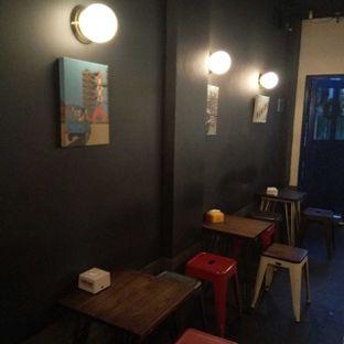 Foto 5 - Interior di Lekker Dan Kopi oleh felita [@duocicip]