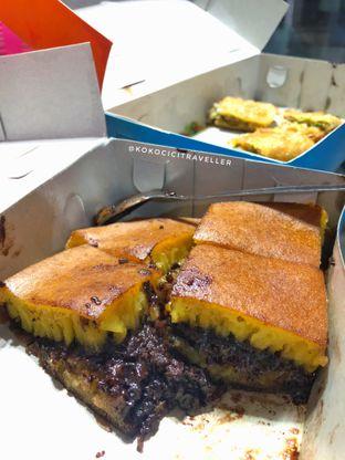 Foto 1 - Makanan(Martabak Manis Coklat Meses (40k)) di Martabak Bro oleh kokocici traveller