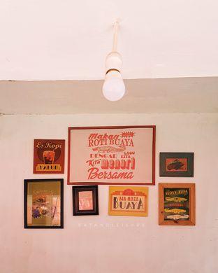 Foto review Cap Roti Buaya No. 72 oleh Vina | Eat and Leisure 3