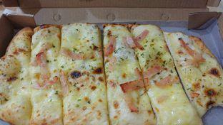 Foto 2 - Makanan di Pizza Hut Delivery (PHD) oleh Windy  Anastasia