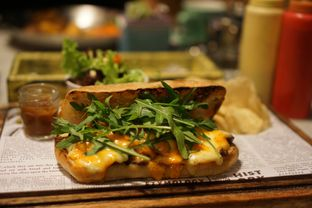 Foto 1 - Makanan(Steak Cheese Sandwich) di Miss Bee Providore oleh Fadhlur Rohman
