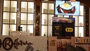 Foto 28 - Interior di Revel Cafe oleh Deasy Lim
