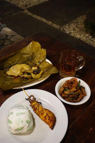 Foto 1 - Makanan di Warung Nasi Ampera oleh yudistira ishak abrar