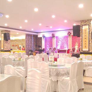 Foto 9 - Interior di Golden Leaf oleh eatwerks