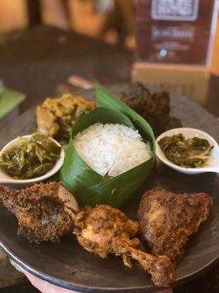 Foto 1 - Makanan di Mandeh Restoran Padang - Hotel JHL Solitaire oleh @Perutmelars Andri